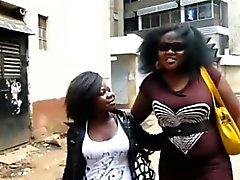 Negro lesbianas Binah y Kehinde cogida después de tomar una ducha