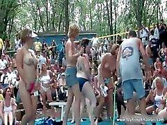 Groot feest outdoor pas echt smerig