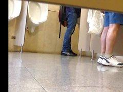 Spion Toilette Portugiesisch 1