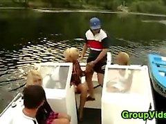 Geile Volks Treffen Up für Sex On A Boot