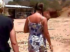 Amatör schoolgirl jävla på gården