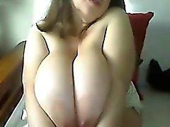 Söt kvinnan med Large Breasts