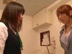 Le prof de sexe interdit interdit aux lesbiennes à l'école au Japon