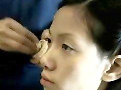 Trío con dos mojadas chicas taiwanesas - FreeFetishTVcom