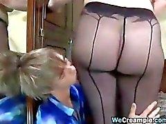 Femme mature creampied par une jeune Cock