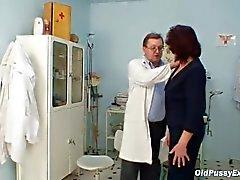 Haarige Muschi Grandma Besuch Perwyi Frauendoktor