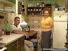 Cocina de el GILF Cojida