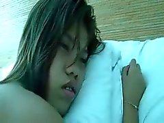 Филиппинка девочка перебирал а осла подключены
