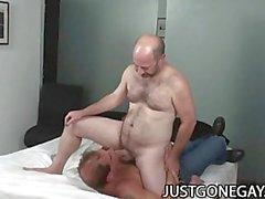 A Nasty Buruşuk Cocks Büyükbaba Gey Seksi