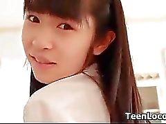 Азиатский школьницы Будучи поддразнивание