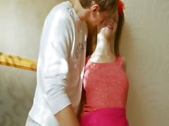 Pechugón adolescente tener culo belarusian golpes de consoladores