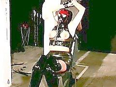 Di Redhead di Juggy vanta castigo ruvida nella scena BDSM