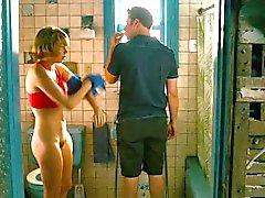 Michelle Williams ( HQ ) - Pees en Douches