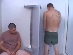 Militaries in Gloryhole zwei