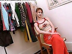 Giyinme odası soyuyor Beata gençlik