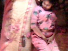 Bhabhi de Bangladesh se siente caliente