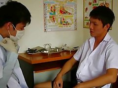 Cachonda Gays examinador médico Chupado su paciente