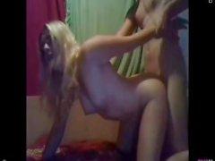 Polish girl essayer doggy sur webcam show