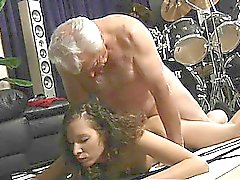 Abuelo hijo de puta relajarse córneo de Stephanie