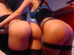 Amateur Lesbian Fisting On Webcam