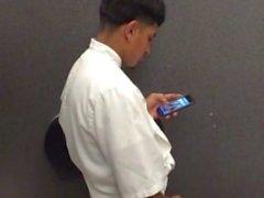 Spion gerade Männer wichsen Toilette
