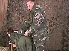 Bdsm an weiblichen Armee Rekruten