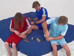 Cody tem pés Ticklish! (Feet Tickling Frenzy)
