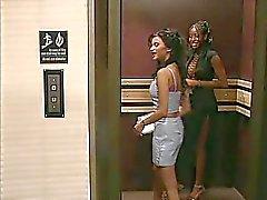 Im Aufzug stecken