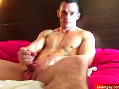 Yzak my handsome str8 gym coach gets wanked by me in spite of him !