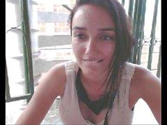 tatuerade exhibitionist att onanera på hennes balkong med