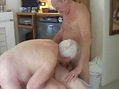 Ältere Männer nackt Massage