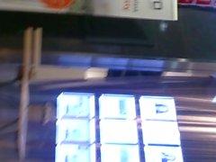 Candid Ass am Einkaufszentrum