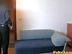 FakeAgent Första gången du ansiktsbehandling för elev