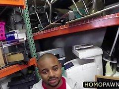 Suoraan jätkät homo kolmen kimpassa kaupassa