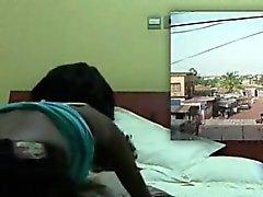 Африканец Красавица чертовски во рту огромный белый валу