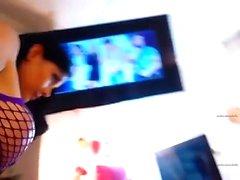 amador no acesso peitos piscando IBLE sobre webcam em directo