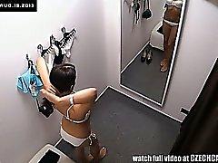 Wundervolle Braunhaarig Tschechische Mädchen Tryings Bikini Kabine Wohnmobil