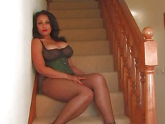 Voluptuous Donna enjoys some stair play