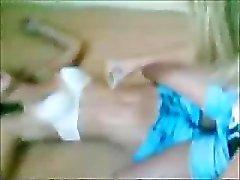 Twee jonge Lesb hou zoenen