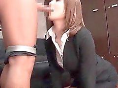 Adolescentes provando Asian a quente Dick que suga talentos na entrevista de trabalho