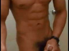 Hot lihasten Indonesian boy nykii off webbikamera