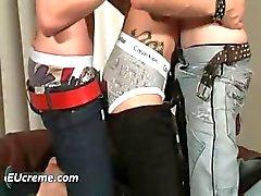 Kolme homo pojat hauskaa imeskely Part5