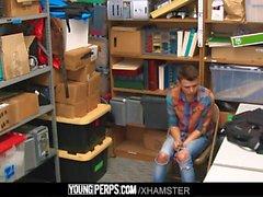 YoungPerps-Twink Ladendieb Junge von Wachmann barebacked