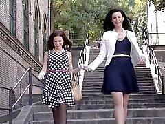 Strumplästen milf fingersättnings brittiskt lesbisk
