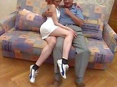 Duitse opa neuken schattige roodharige tiener