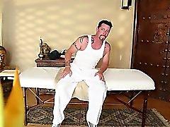 Великая комната для массажа с горячей пупсикей
