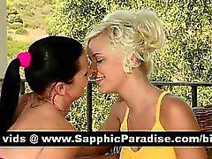 Jolie brunette et la gouines blondes s'embrasser et de comportant amour lesbienne