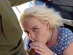 Di Blondie fà il scopare dagli agente pattuglia di frontiera