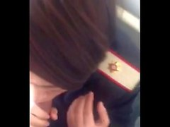 Phone258real airhostess blowjob dans l'avion de toilette