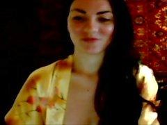 La ragazza si masturba con un ragazzo su Skype